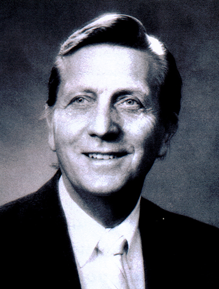 Neil Hess Headshot