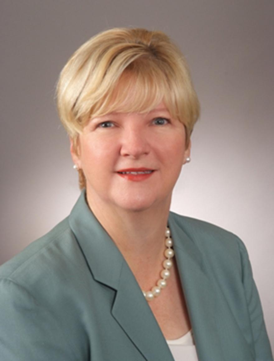 Headshot of Leslie Blanton